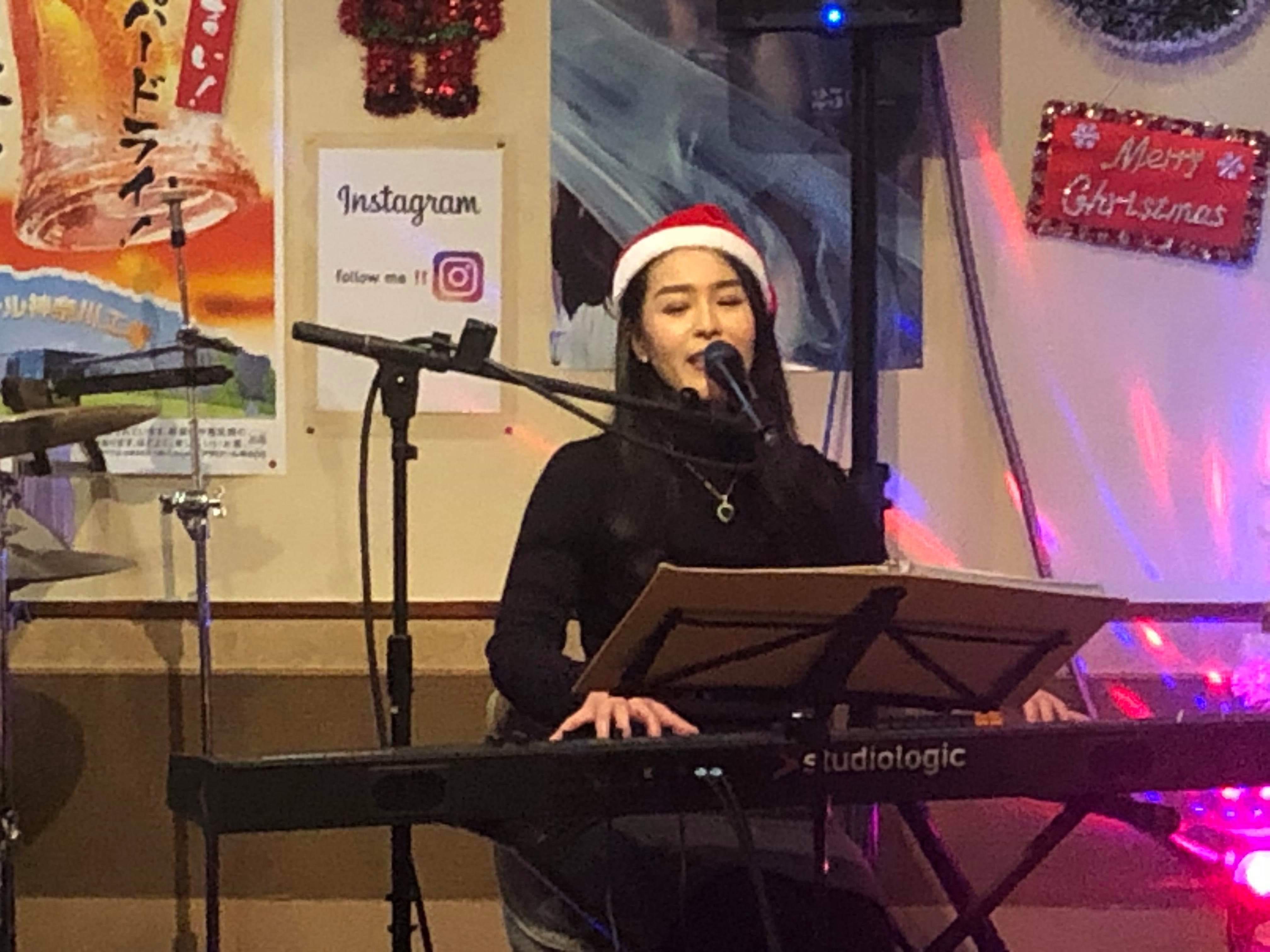 クリスマスライブ成功☆次は27日路上ライブ(^o^)