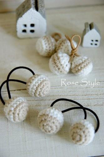 編み編みボールのヘアゴム